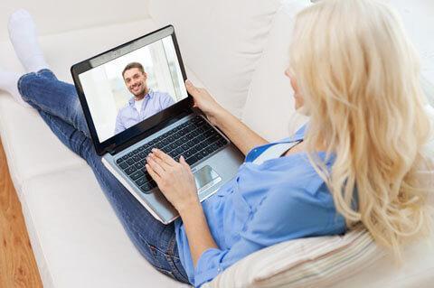 Знакомства с иностранцами: о важности видеозвонков